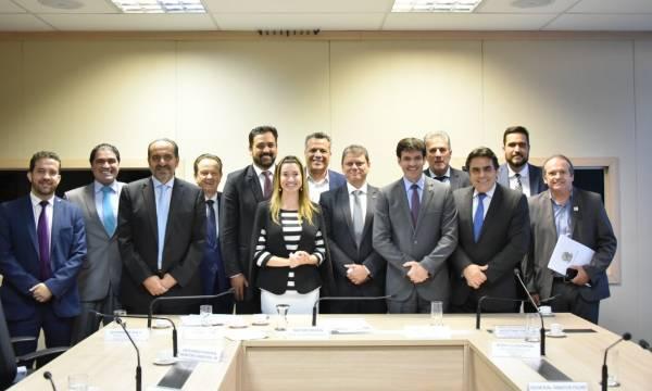 Ministro se reúne com bancada federal de Minas Gerais