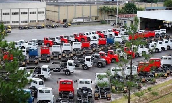Mercedes Benz Brasil investirá R$1,4 bi em nova linha de caminhões