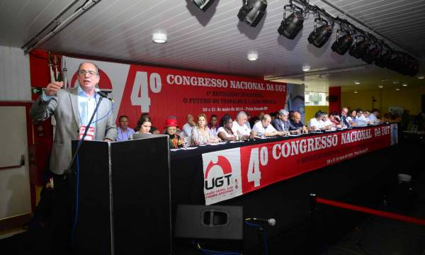 Ricardo Patah é reeleito presidente da UGT